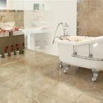 Neste banheiro foi utilizado porcelanato que imita textura de granito